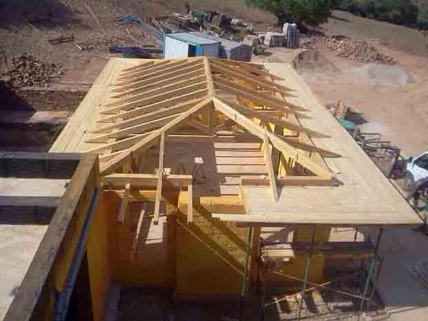Techos de madera cubiertas y tejados aymur for Tejados de madera barcelona